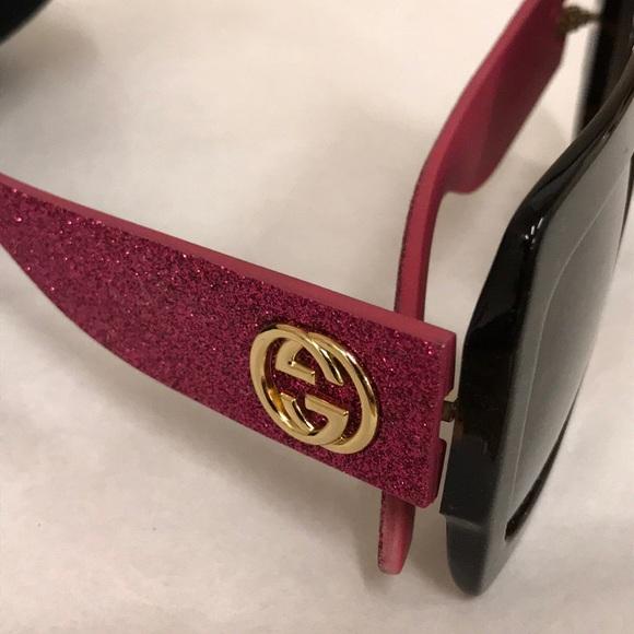 01a5da4f679fc Gucci Accessories - Gucci Pink Glitter Sunglasses😍🕶🌸